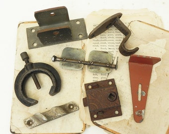 7 Salvaged Vintage Found Objects Hardware for Your Alrtred Art Assemblage Steampunk Craft Projects DIY Repurpose