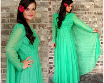 1960s gown Mike Benet green goddess gown with attached cape empire waist Size M/L