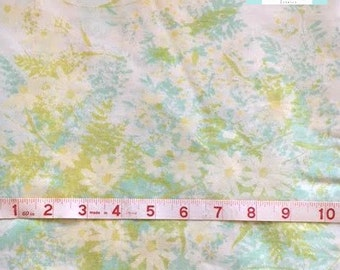 Twin Vintage Flat Sheet with Daisies