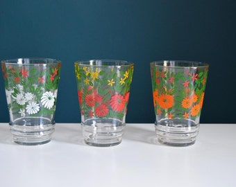 Set of Three Vintage Glasses with Colorful Daisies