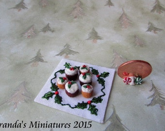 Dollhouse Miniature ooaK  six Christmas Holly cupcakes with doily