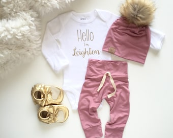 Bringing home baby outfit   newborn baby girl   take home outfit   girl baby shower gift   baby leggings   pom beanie