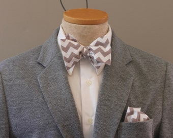 Men's Bow Tie - Chevron - Grey and White - for men -  Butterfly Bowtie - Freestyle - Adjustable - In Stock