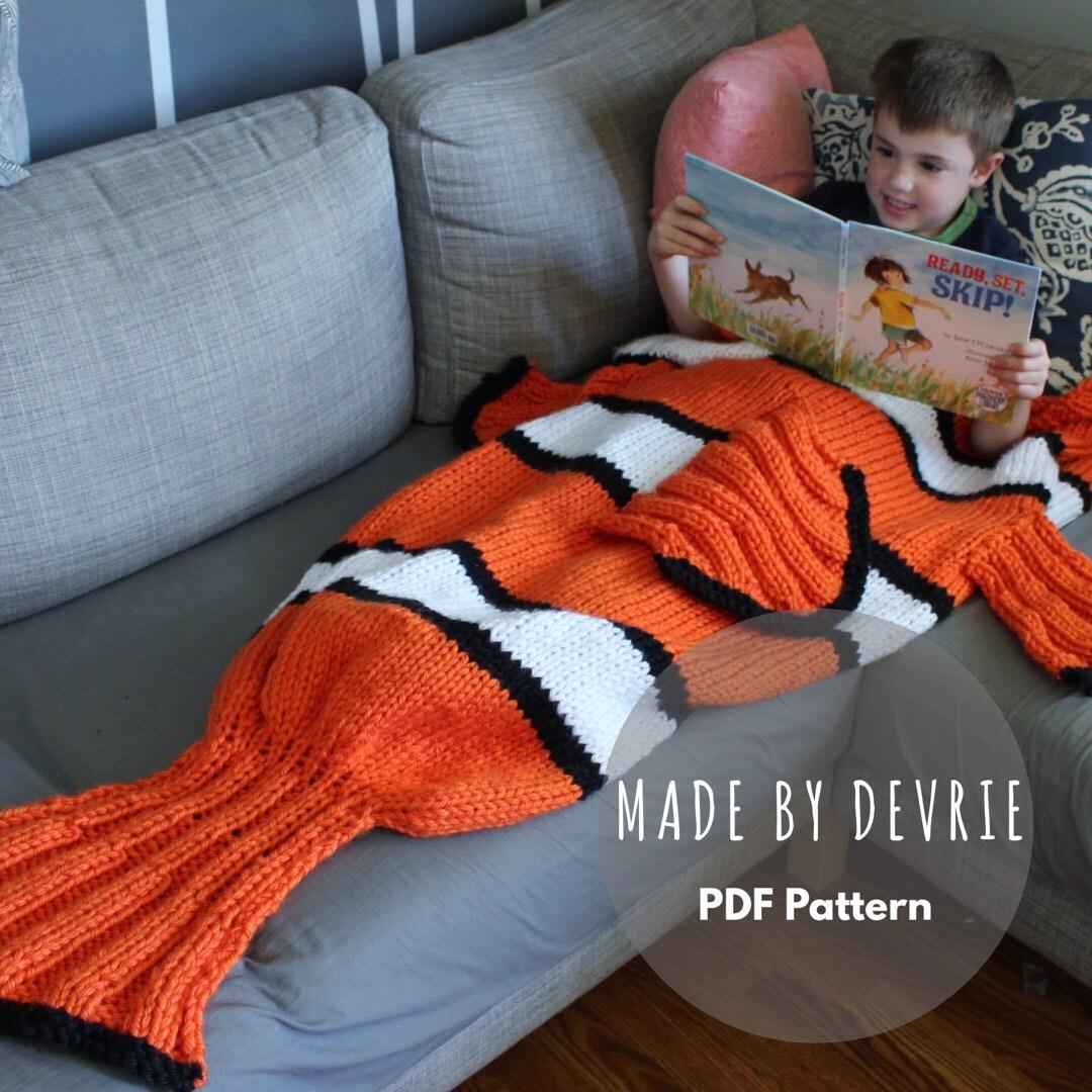 Nemo Blanket clown fish blanketKNITTNG PATTERN by MadeByDevrie
