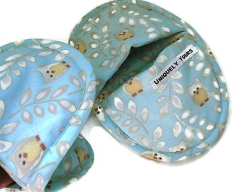 Oven Mitt Pot Holder Set.  Aqua Sky Blue with Owl Design.  Best Oval Potholders.  Favorite Light Blue & Owls Oven Mitts with Owls and Leaves