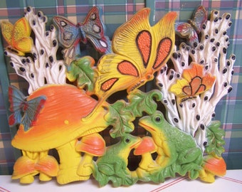 Vintage Plastic Butterfly Wall Plaque, Mushroom, Butterflies, Bath, Powder Room, Girls Room, 1970s Kitsch, Frogs, Sunflowers