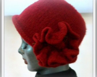 HAT WOMANS KNITTED Wool Felted Hat Red