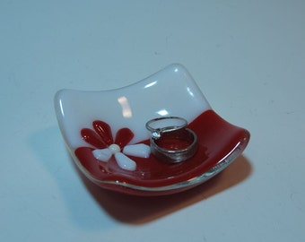 Red and White Flower Square Trinket Ring Dish - Fused Glass Home Decor - Handmade Gift