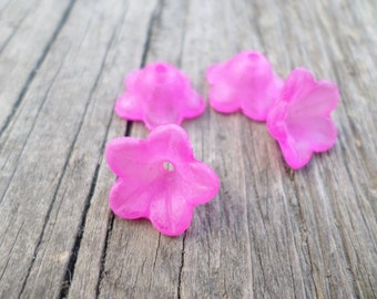 Lucite Flower Beads Bright Pink 13mm X 7mm 20pcs (Item Number PL56014)