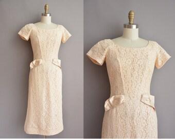 50s cream lace vintage wiggle dress / vintage 1950s dress