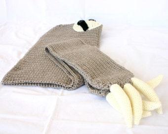 Adult sloth hooded scarf with pockets brown black off white cream crochet fun winter fashion neckwarmer head neckwear claws wrap animal hood