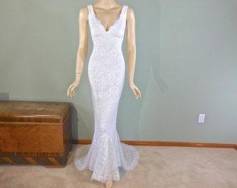 White Bohemian Wedding Gown, HIPPIE Boho Wedding Dress MERMAID wedding dress Beach Wedding Dress, Keyhole Back LACE Wedding Dress, Sz Medium
