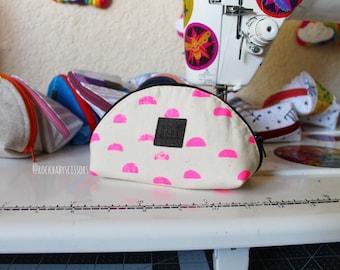 Neon pink Printshop Dumpling pouch | Zipper pouch | Travel pouch | Small zipper pouch