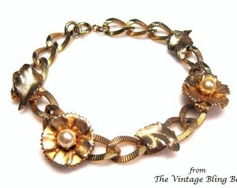 60s Gold Flower Pearl Bracelet with Textured Leaves on a Marine Chain Link - Vintage 60's Costume Jewelry