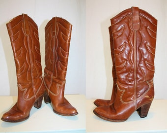 1970's Caramel Leather High Boots Dingo Style Stacked Heels Boho Hippie Size 6 USA Vintage Retro 70s Hipster Cowgirl Country Western