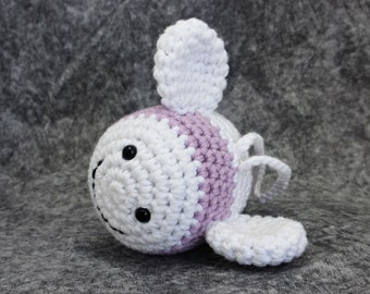 Bumble Bee baby rattle crochet toy - organic cotton - mauve and white