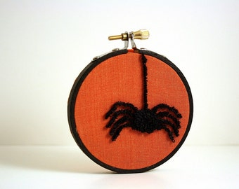 Spider Halloween Decoration. Autumn Fall Home Decor. Orange and Black. Punch Needle Embroidery Hoop Art 3 inch hoop