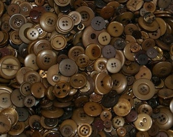 100 Dark Brown Button Mix, Sewing, Craft, Buttons Jewelry Collect (1629)