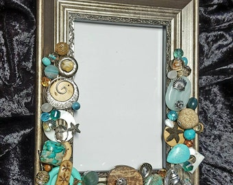Beaded picture frame with starfish