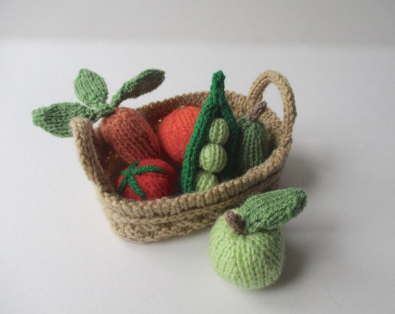 Knitting Patterns For Vegetables And Fruit : Fruit and Vegetables toy knitting patterns from fluffandfuzz on Etsy Studio