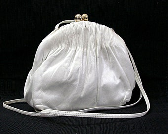 Vintage 1950s Petite Shoulder Bag Cream White Leather Gathered Top Clutch Cross Body Bag