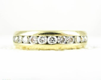 Diamond Eternity Ring in 18 Carat Yellow Gold, Round Brilliant Cut Diamond Estate Full Hoop Wedding, Anniversary Band. Size J.5 / 5.