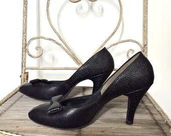 Vintage 40s Black Pumps - Stilettos - pin up shoes - 7.5 - size 8 - 40s heels