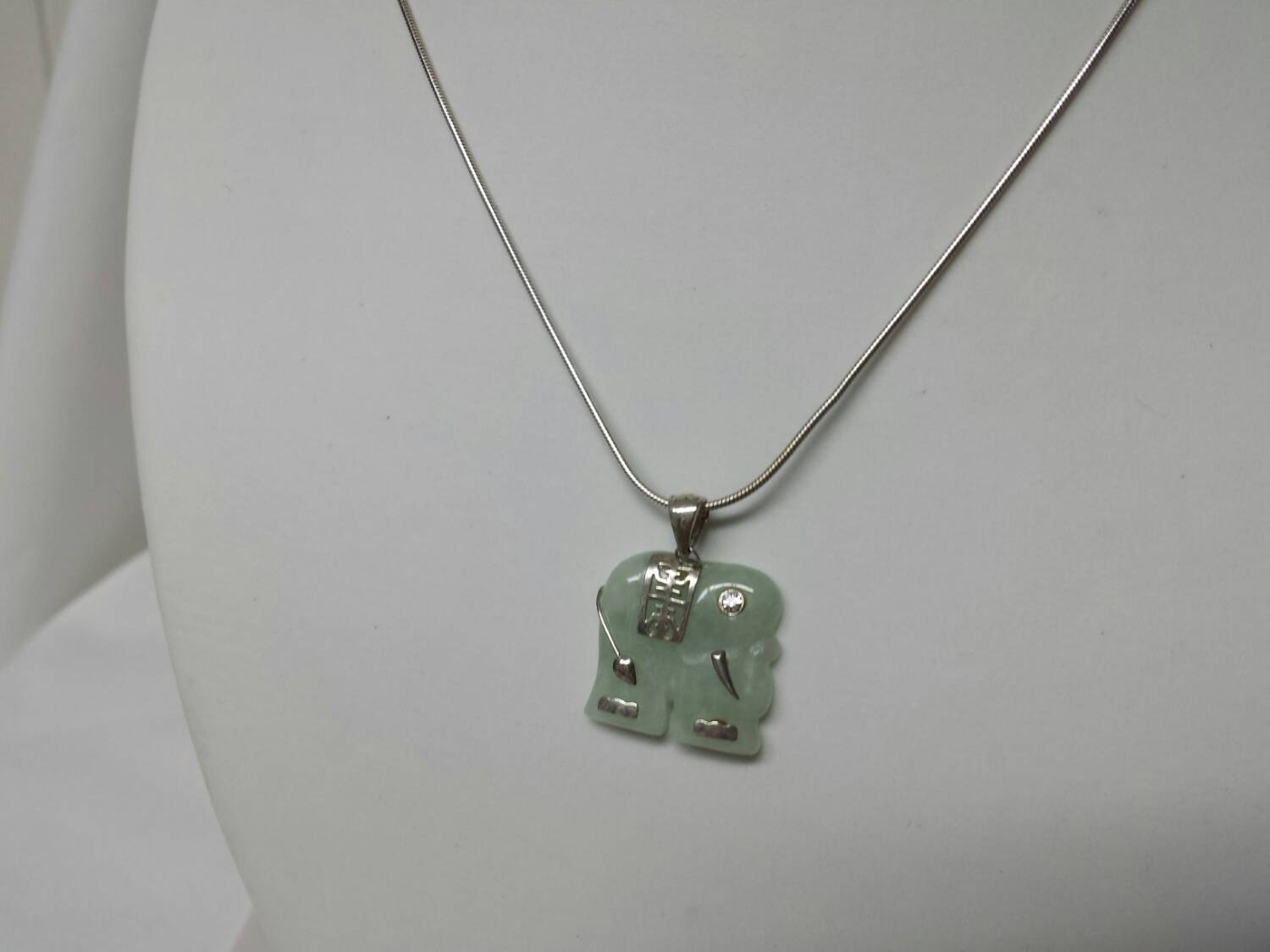 reserved v avon jade and sterling elephant necklace mint