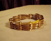 Vintage Yellow Gold Plated Thick Link Bracelet Signed Unicorn 8269