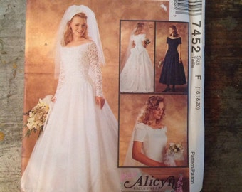 Vintage McCall's Sewing Pattern 7452 Bridal Gown and Bridesmaids Dress Uncut Size F 16 18 20