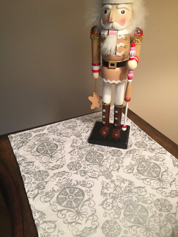 christmas table runner silver table runner elegant. Black Bedroom Furniture Sets. Home Design Ideas