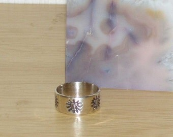Sterling Silver Band Ring, Aztec style Sun God Ring, Silver ring from the 1970s. Stamped Silver Jewelry
