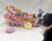 Conversation hearts collar