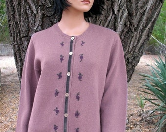 Gorgeous MINT Condition WOODLAND PREPPY Cardigan Sweater Velvet Trim Embroidered  Flowers and Abalone Buttons Size Medium Hardly Worn