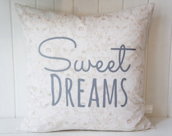 Sweet Dreams Pillow Cover, 20x20, Forest animals in tan