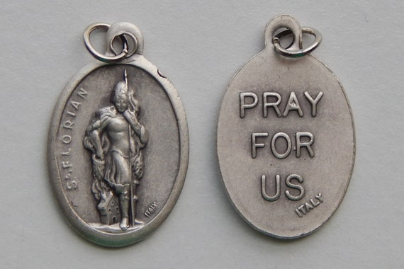 5 Patron Saint Medal Findings - St. Florian, Die Cast Silverplate, Silver Color, Oxidized Metal, Made in Italy, Charm, Drop, RM403