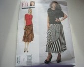 Pattern Ladies Women Skirt  and Blouse  See Sizes Vogue 1333