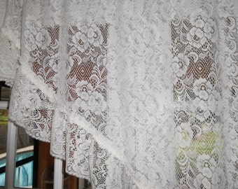 Free Shipping..Beautiful Vintage Cottage Creamy White Lace Swag Curtain with Ruffle