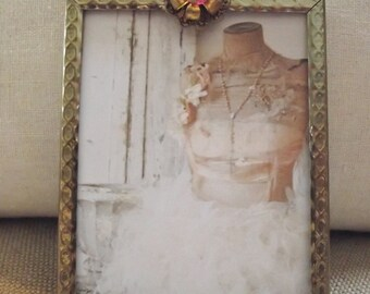 Picture Frame - 3 x 4  Goldtone Vintage Metal Picture Frame with Beautiful Pink Rhinestone Jewel