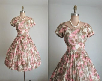 50's Floral Dress // Vintage 1950's Pink Floral Print Cotton Garden Party Dress S