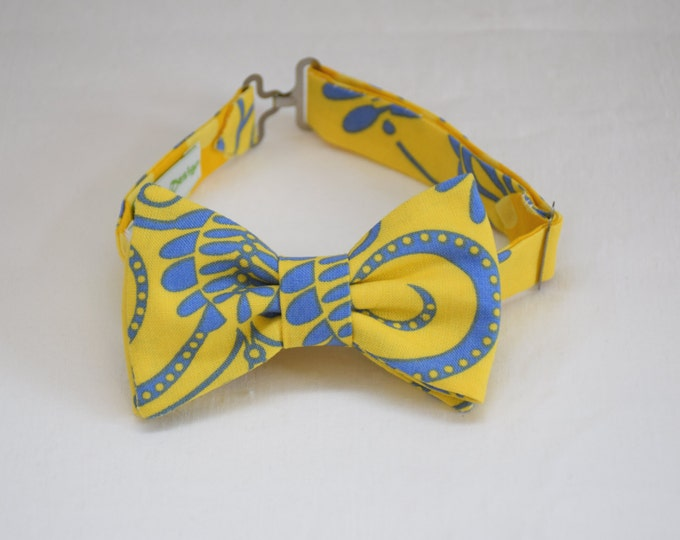 Boy's pre-tied Bow Tie in yellow with cornflower blue paisley, ring bearer bow tie, child bow tie, toddler bow tie, Easter bow tie, LAST ONE