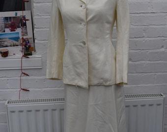 White - Ivory Gabardine Skirt and Jacket Set Vintage 1940s sz xs