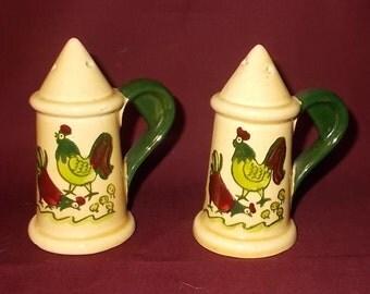 Vintage 1960's Metlox Poppytrail HOMESTEAD PROVINCIAL Rooster-Salt & Pepper Shakers