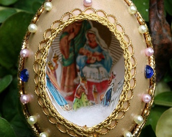 Vintage Chicken Egg Shell Christmas Diorama with Metallic Trim Scene Fabergé Style - Nativity Scene