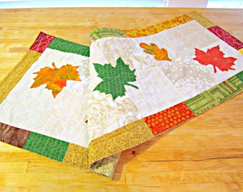 Autumn Table Runner, Fall Table Runner, Quilted Table Runner, Thanksgiving Runner, Table Topper, Autumn Leaves, Applique Runner, Fall Decor