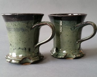 Set of 2 Footed Skirted Mugs Deep Wood Moss Speckled Black Dark Green