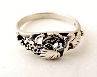 Vintage sterling silver grape vine ring