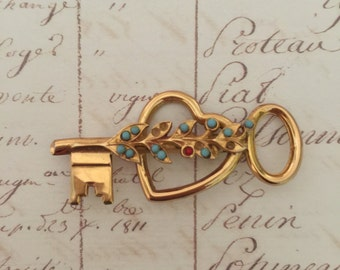 Coro: Key to my Heart vintage Brooch pin