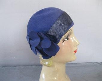 1920s Cloche Hat - Blue Sequin Hat - Felt Floral - 20s Flapper Hat - Great Gatsby Hat - Flapper Cloche - Size 22 - Derby Hat