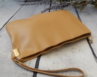 DISCOUNTED Stunning Vintage CLEMENTE Clutch ~Supple Camel Leather ~ Gold Accent---PRISTINE Evening Leather Clutch
